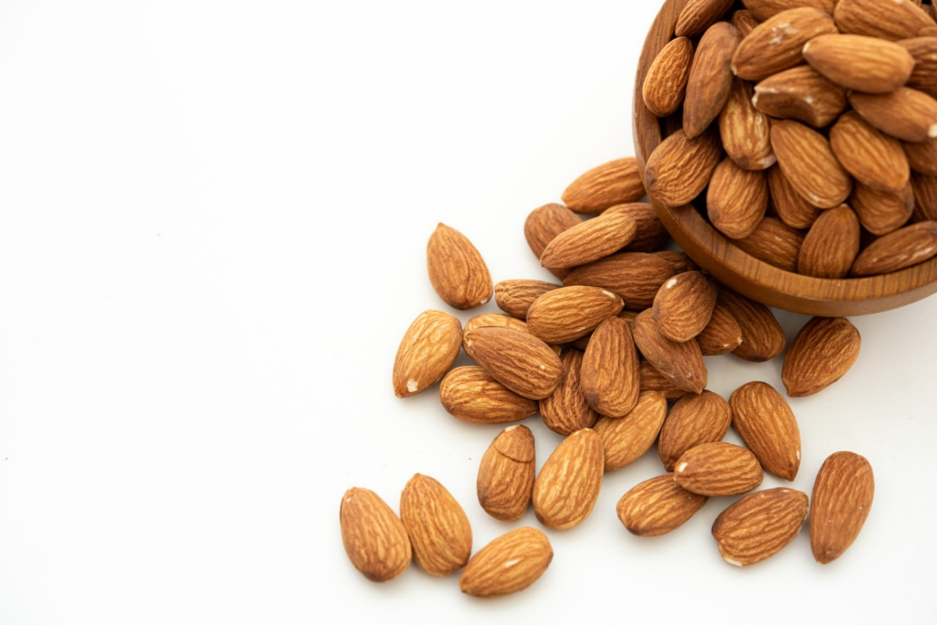 Almonds in keto diet: How to Use Almonds in Ketogenic Diet? Bariatric Station