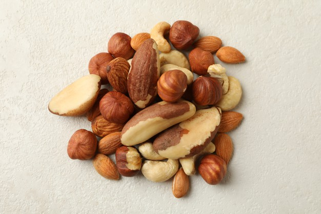 E:\Articles\8 Format Articles\pictures\heap-different-nuts-white-textured-background_185193-30144.jpg