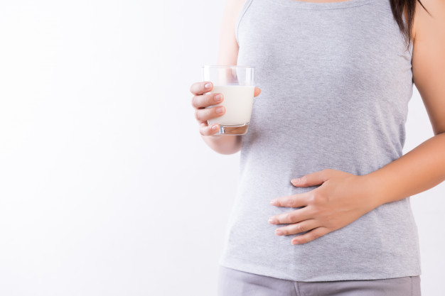 E:\Articles\8 Format Articles\pictures\woman-hand-holding-glass-milk-having-bad-stomach-ache-healthcare-concept_53476-3210.jpg